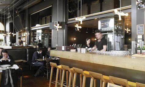 Openingsuren hangar 41 belgisch restaurant antwerpen for Openingsuren interieur 2000