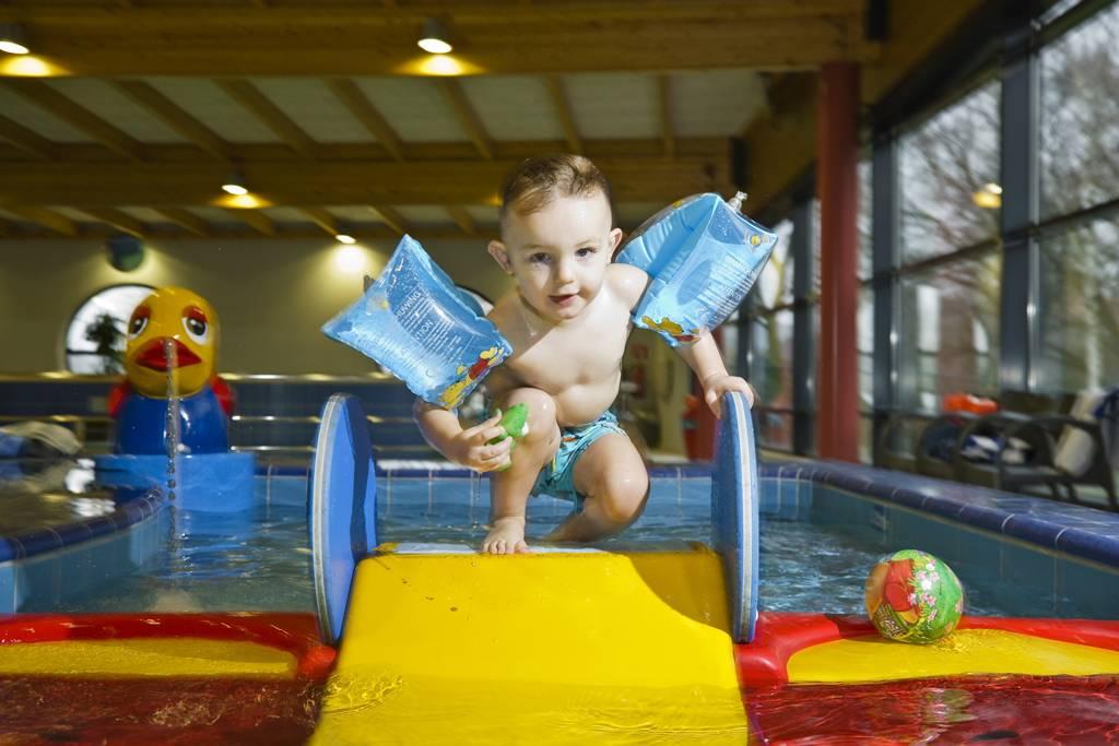 Huis muur zwembad lier de waterperels openingsuren - Muur zwembad ...